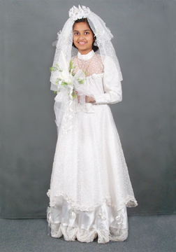 rosanna on her holy communion day